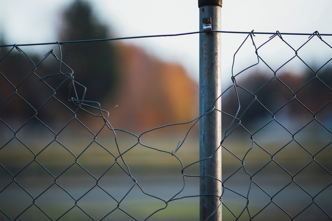 cyclone fence wire-mesh fence frontier-defense border protection