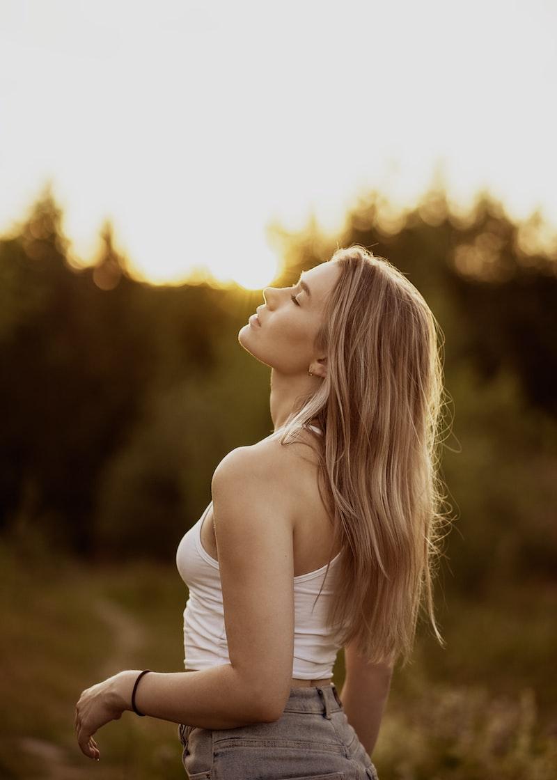 別再等了,等人來愛要等到什麼時候?  自己來,打開你的陽光模式吧!