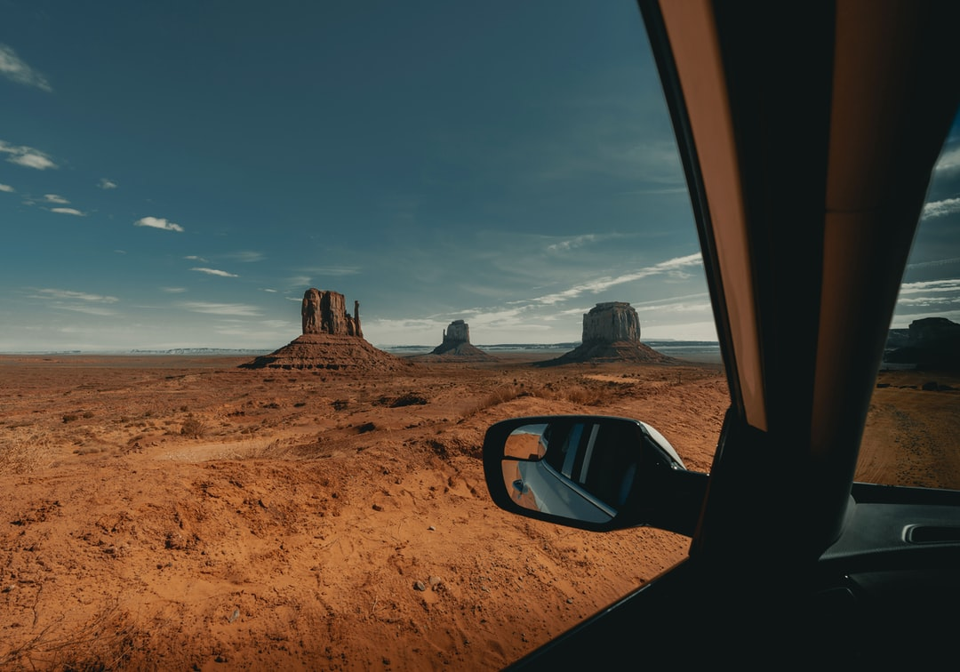 Monument Valley Views 1/2 (IG: @clay.banks)