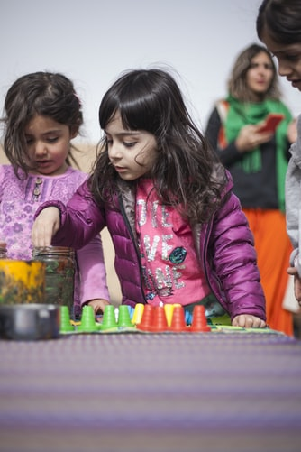 Des enfants entrain de jouer.   Photo : Getty Images