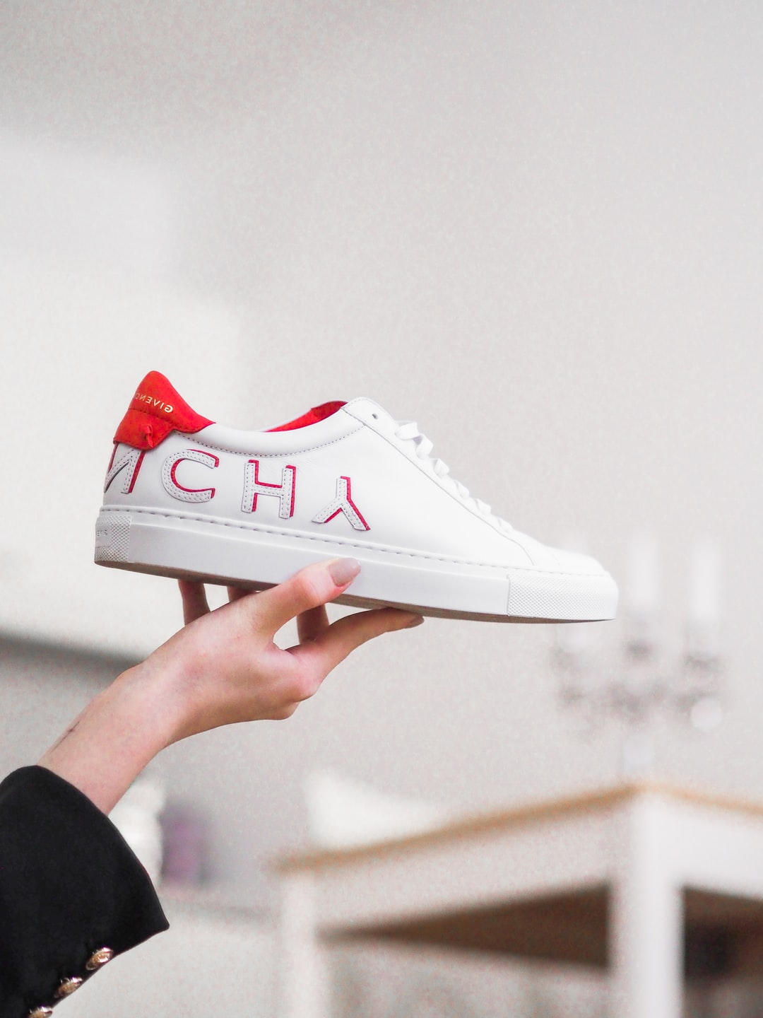 5 Insider Tips on How to Buy Sneakers Online