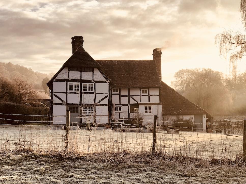 A click in Surrey