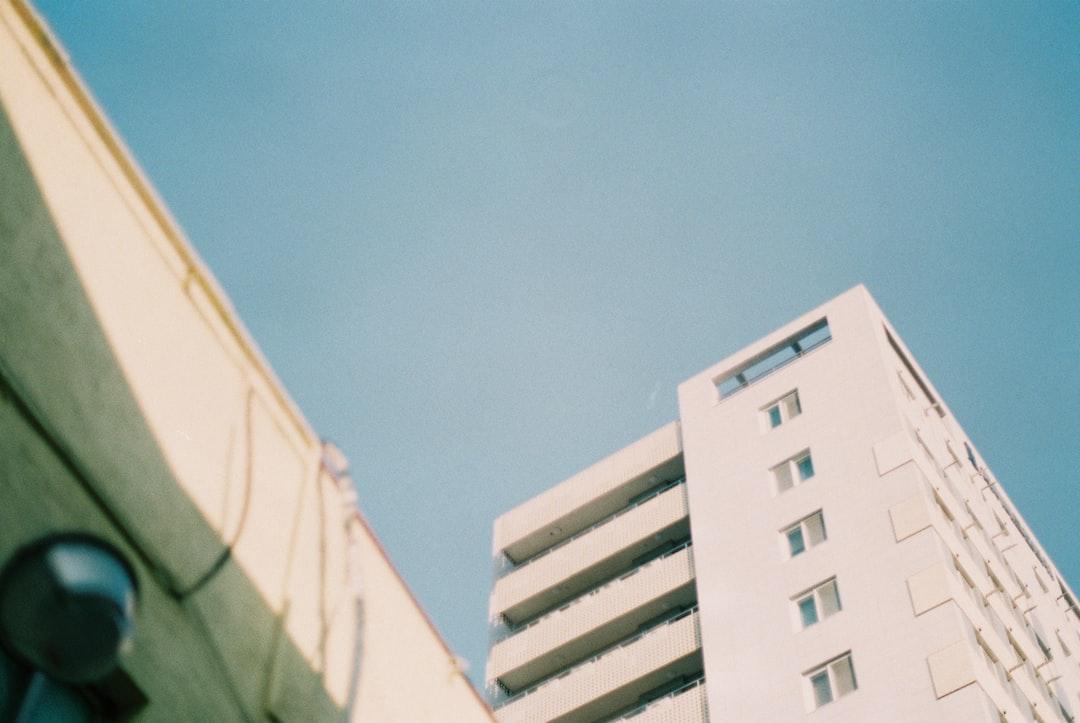 empty apartment in empty city - Fuji C200 - 02/08/2020