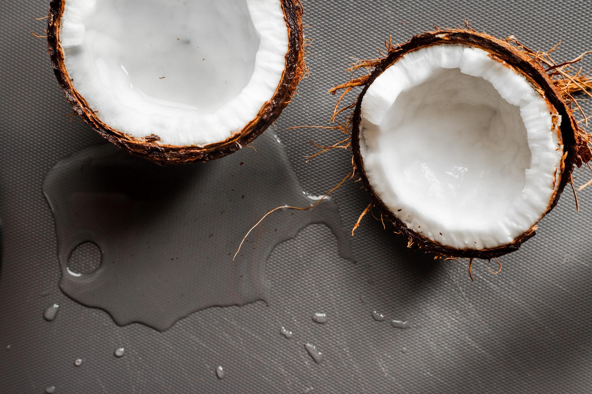 Cuida tu cabello con aceite de coco