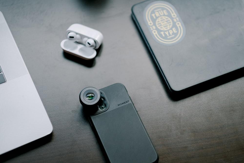 black and white smartphone case