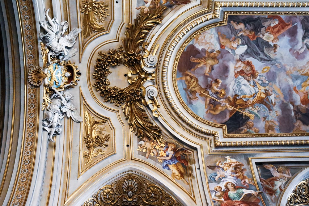 gold and white floral ceiling