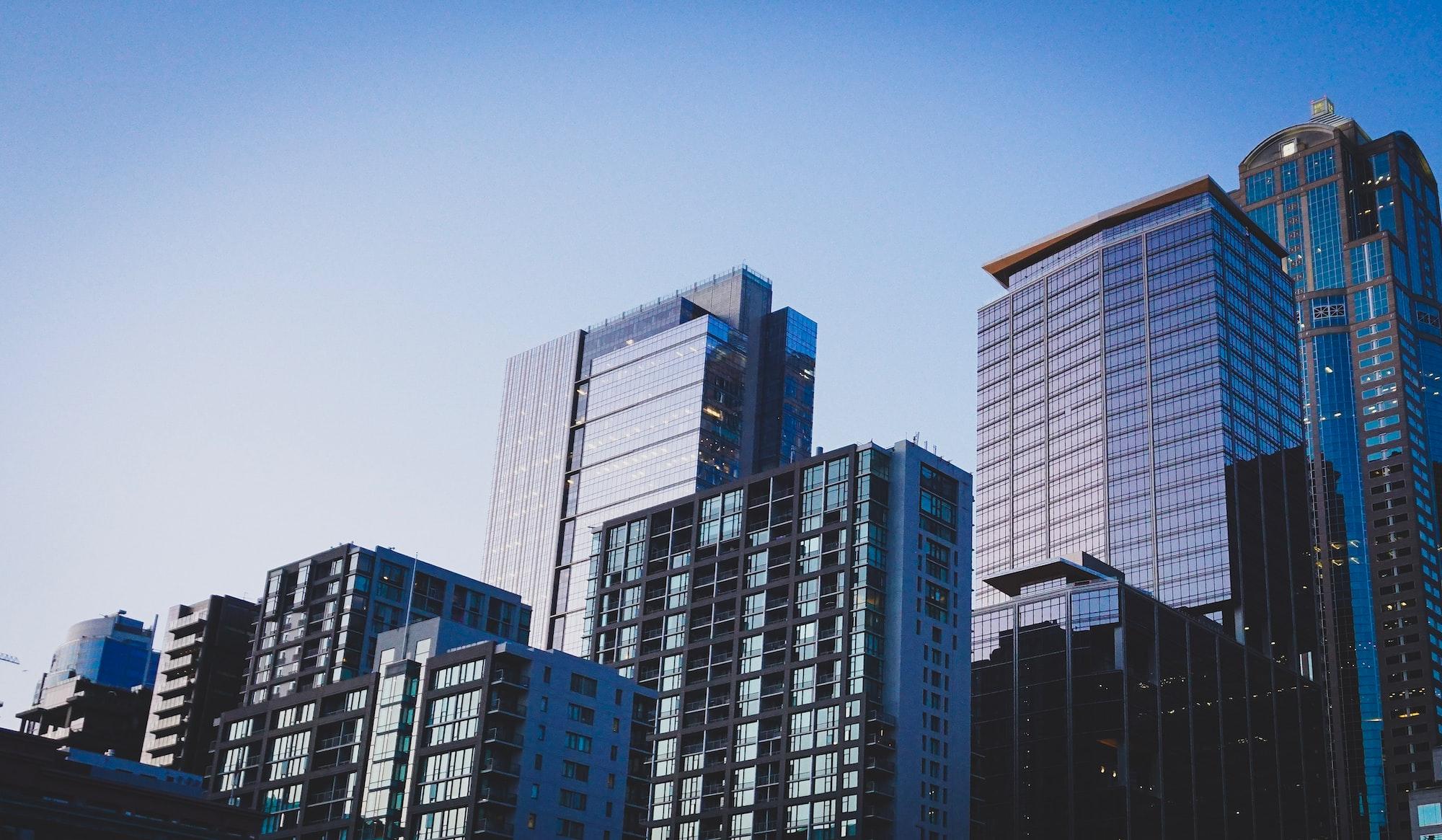 A informação imobiliária para muitos investidores não está facilmente disponível ou organizada. Photo by Jason Dent / Unsplash