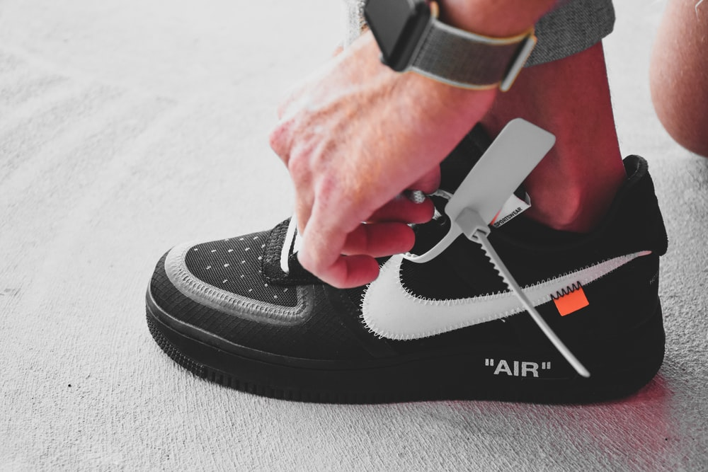Off White Sneaker Pictures Download Free Images On Unsplash