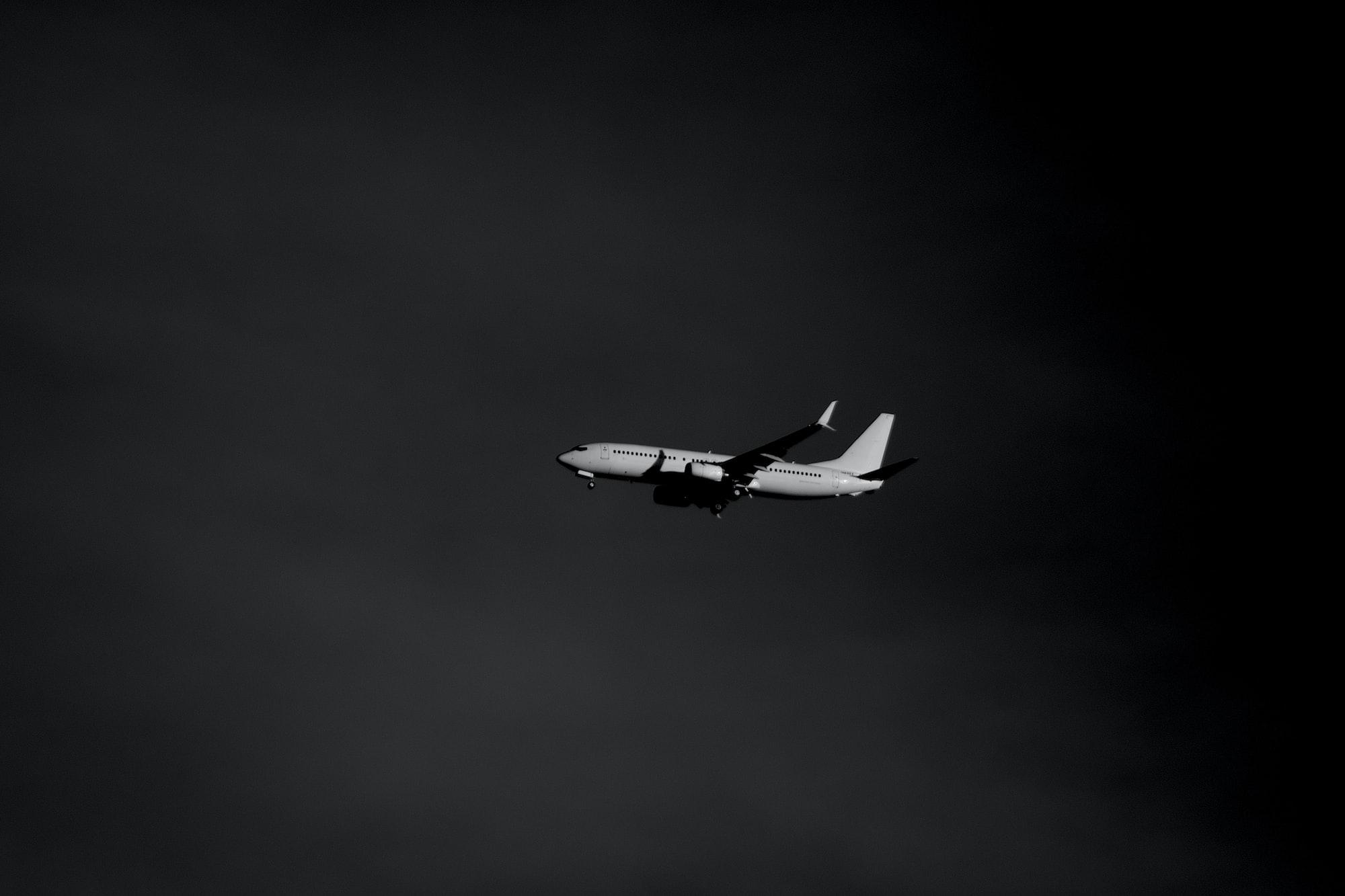 Flyg- och resebolagen kämpar för att hjälpa människor komma hem