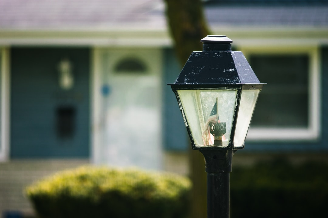 yard lamp with USA flag