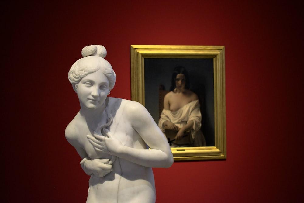 woman in white dress statue