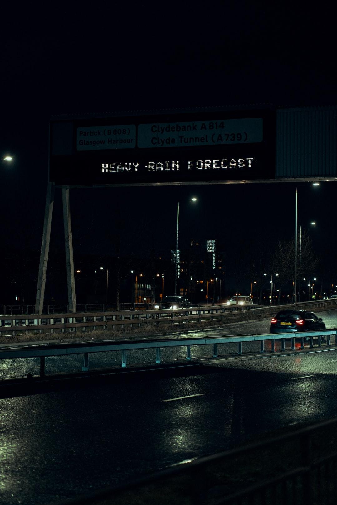 Heavy Rain Forecast sign
