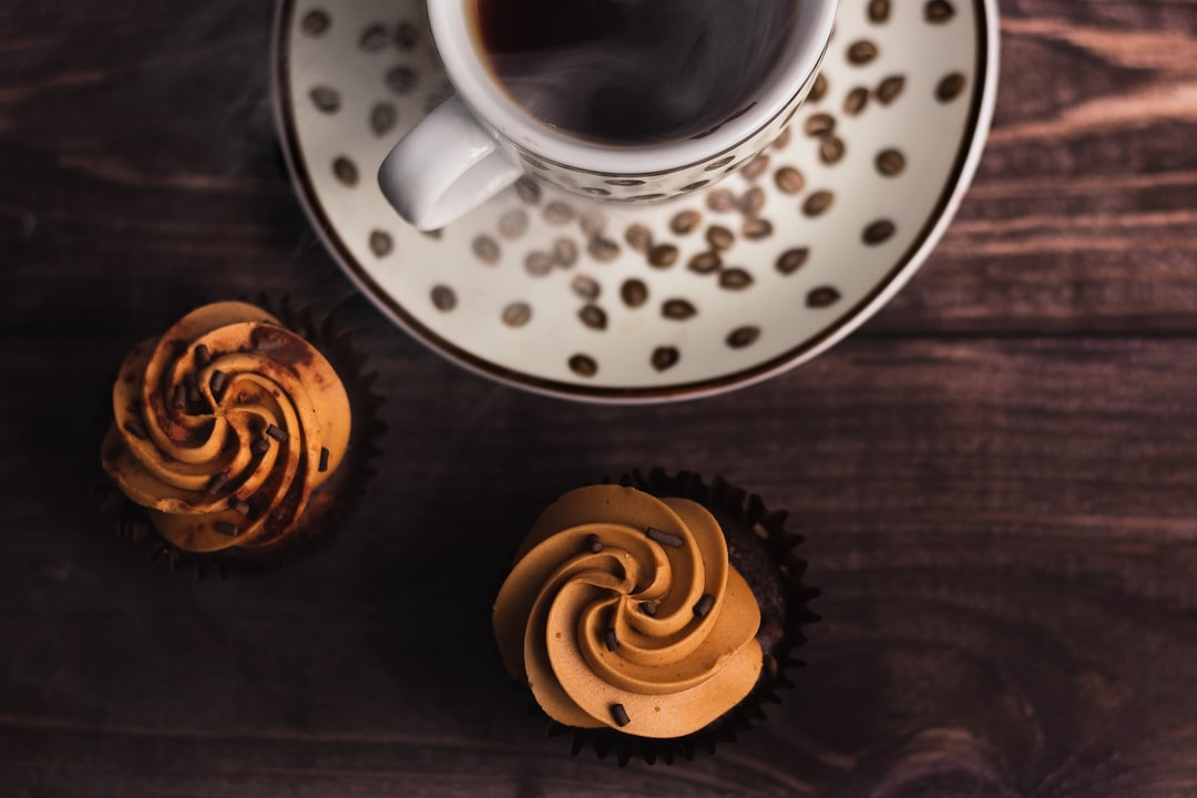 Cupcakes & Coffee - unsplash