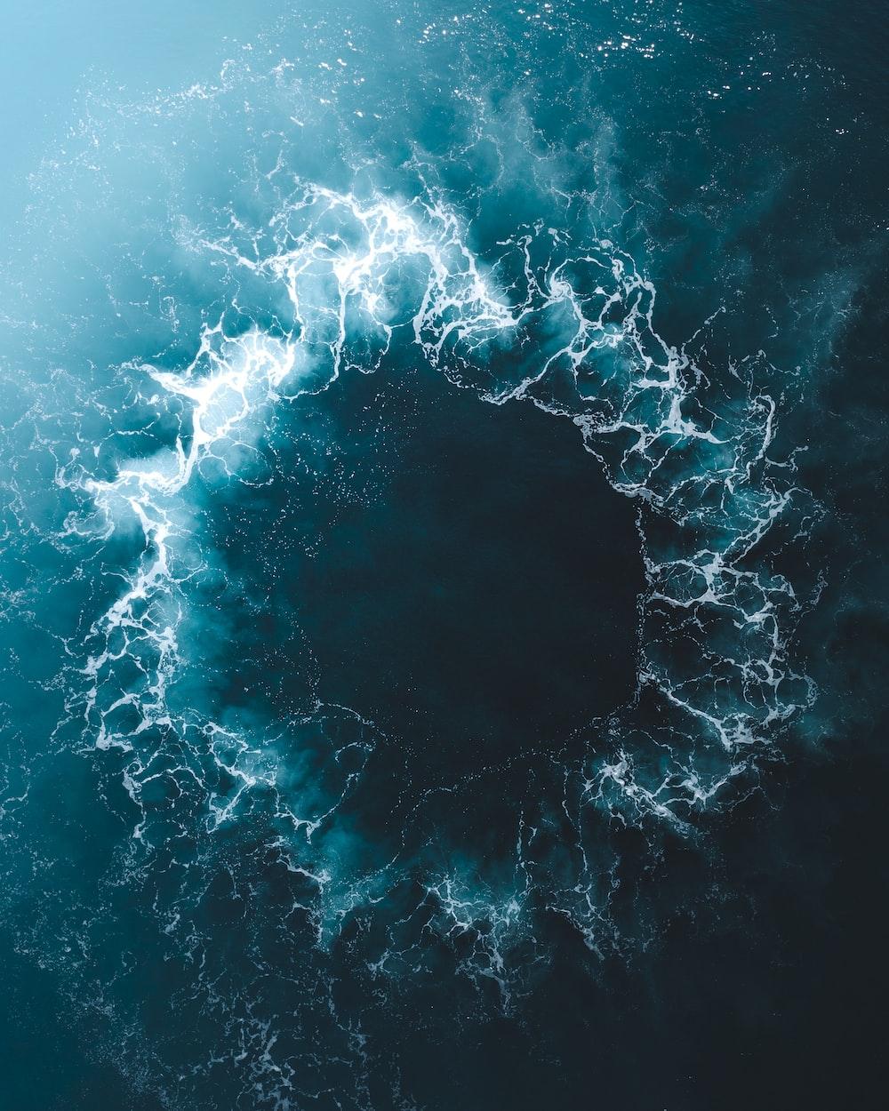 blue and white water splash