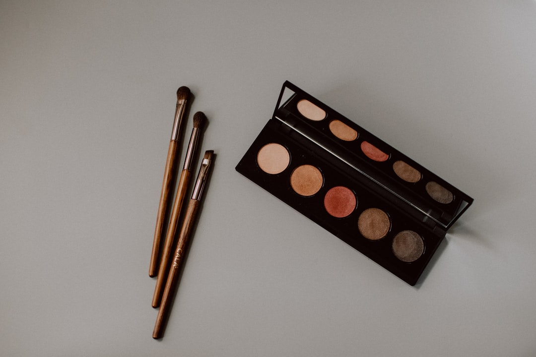 Eyeshadow palette with brushes
