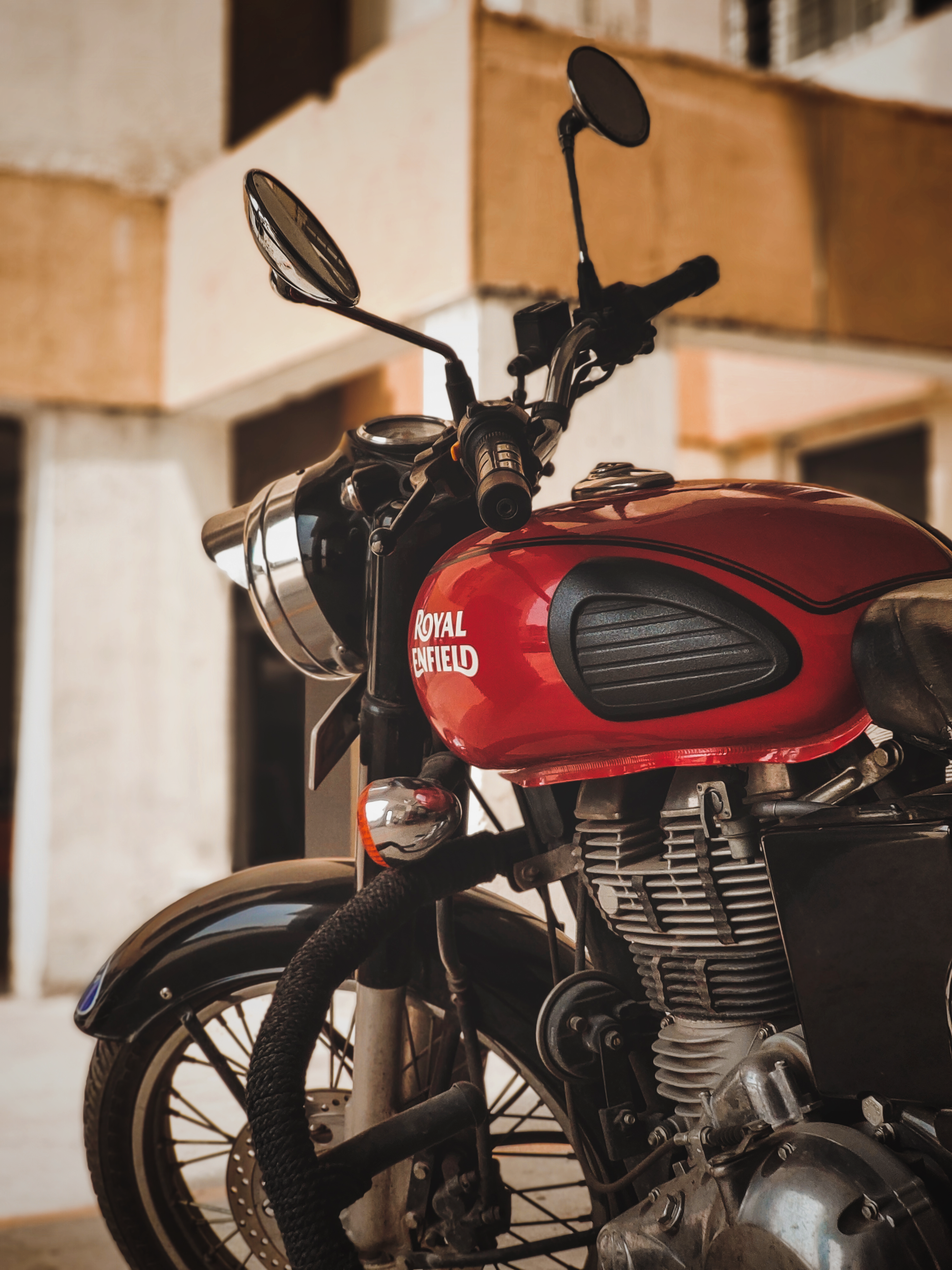 500 Royal Enfield Wallpapers Hd Download Free Images Stock Photos On Unsplash