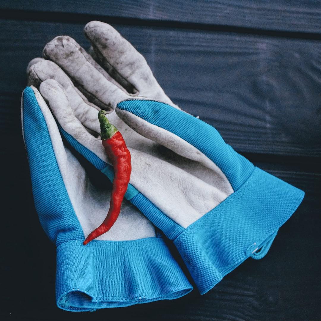 Red pepper on gloves