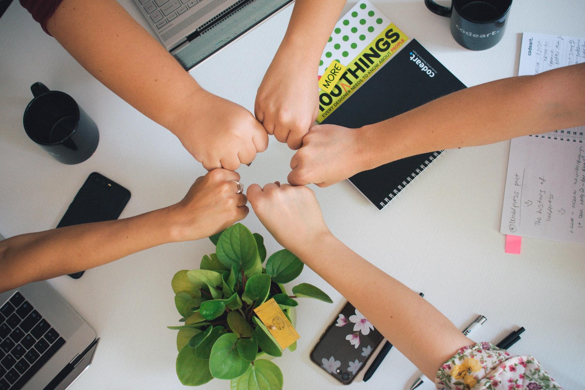 Teamwork, women's power!