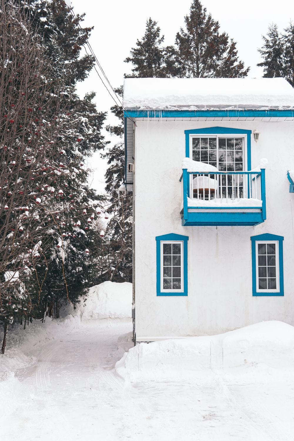 white and blue concrete house