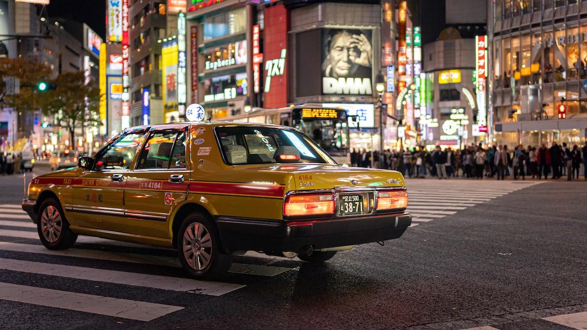 Ilustrasi taksi di Jepang.