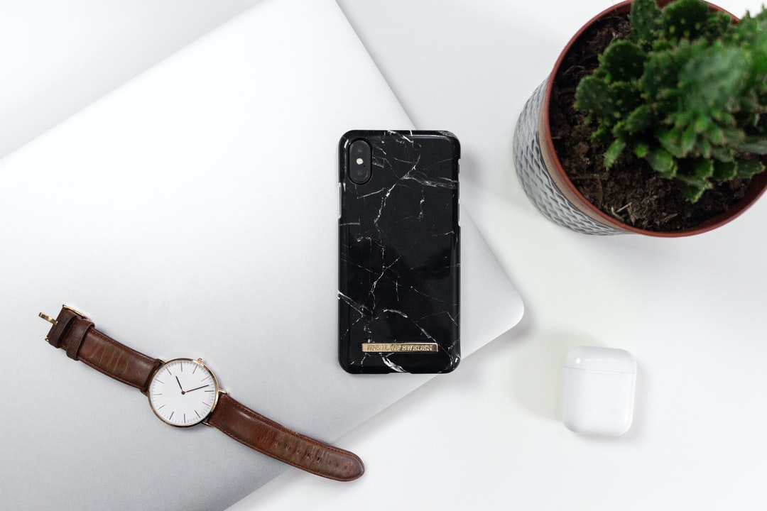 iDealOfSweden Black Marble Case