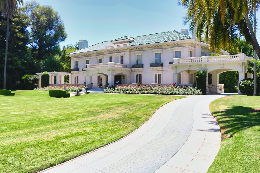 Tournament house for the Pasadena Tournament of Roses. The former Wrigley mansion.