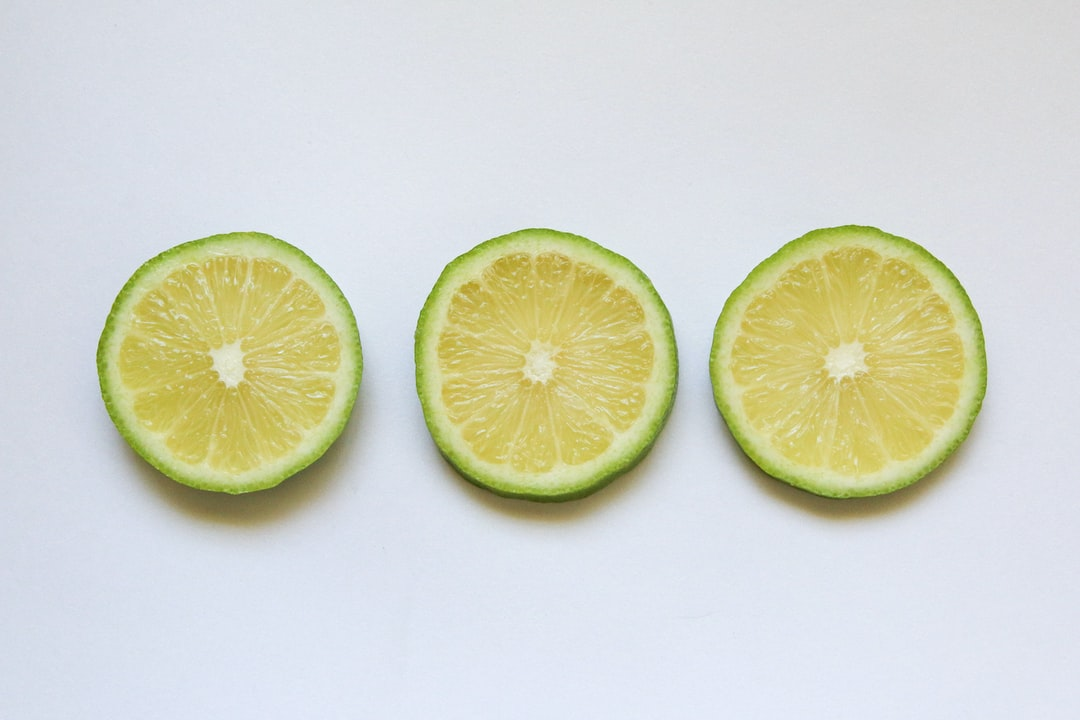 3 limes aligned
