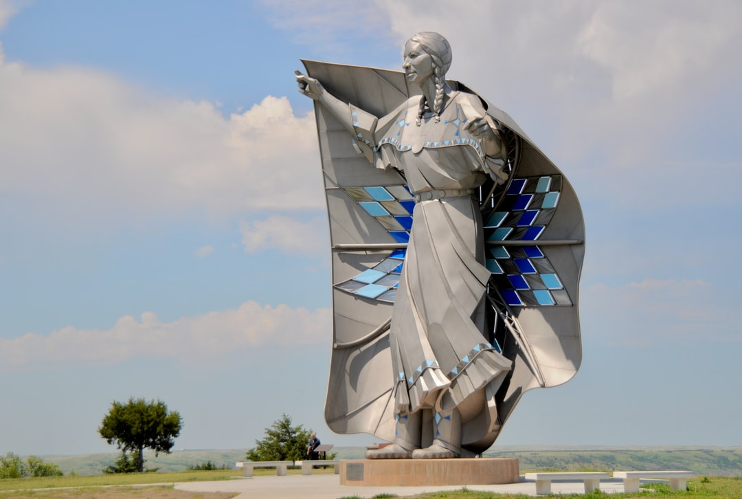 DIGNITY statue Native American Indian Sioux woman star quilt sculpture Dale Lamphere South Dakota Missouri River overlook
