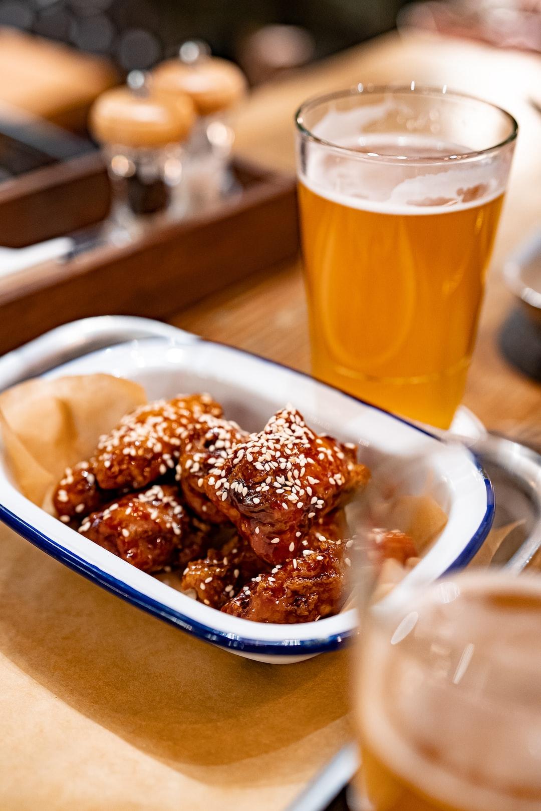 bar drinks Alcohol Beverage beer restaurant chicken wings