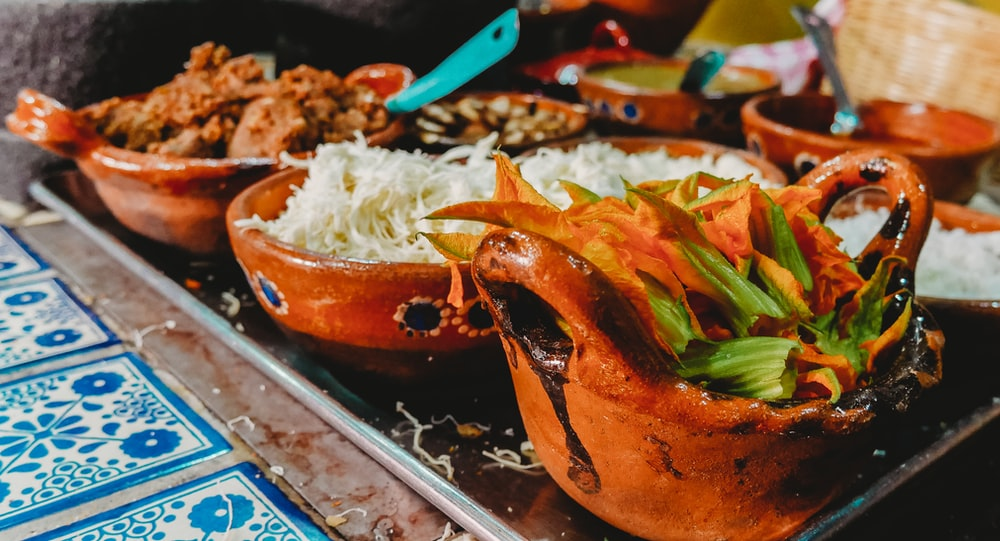 white rice on brown ceramic bowl