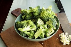 Study Says, Eating Broccoli, Red Peppers and Other Foods High in Vitamin C and E Can Cut Parkinson's Risk by a Third
