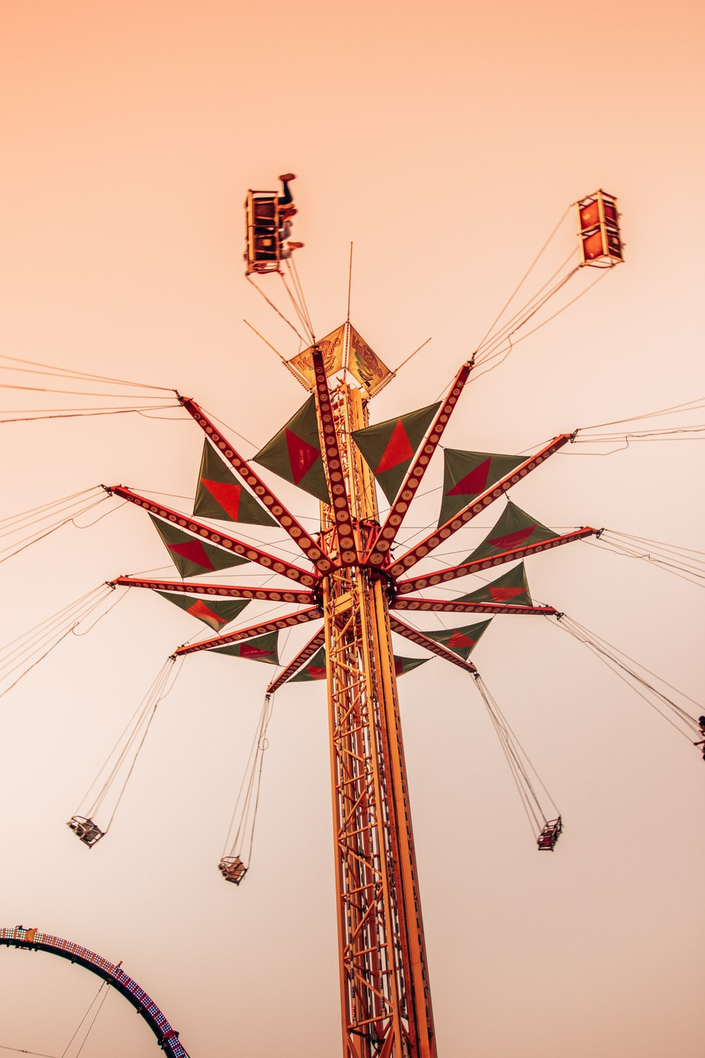 brown and red ferris wheel