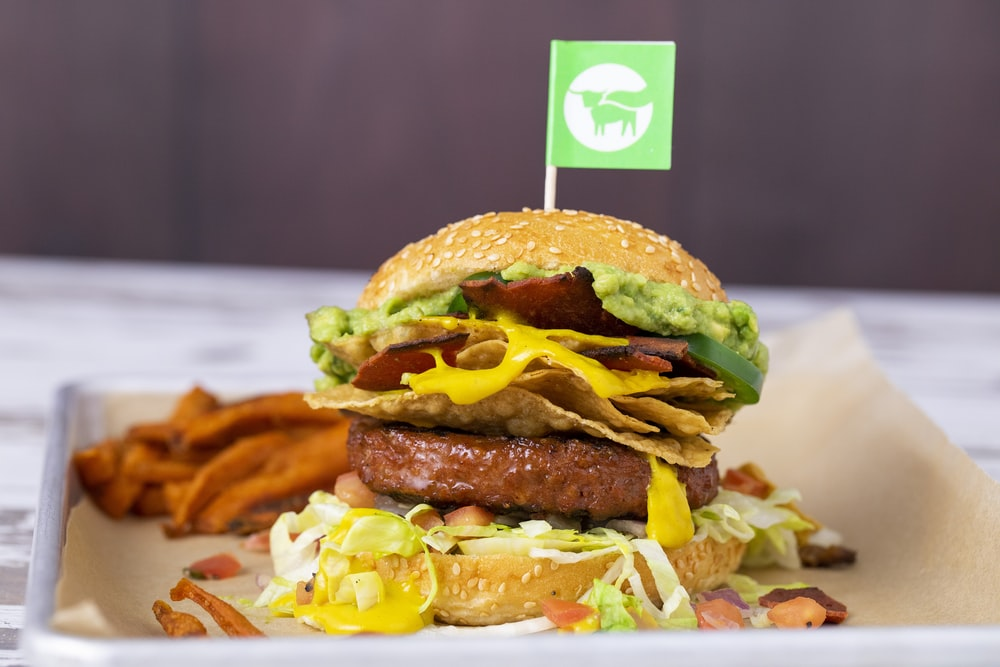 burger with lettuce and cheese