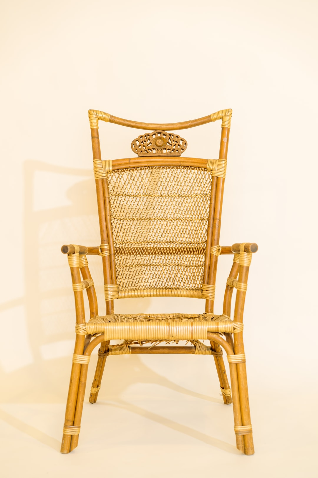 Ratan Chair Background Plate Yellow Cream Seamless Background