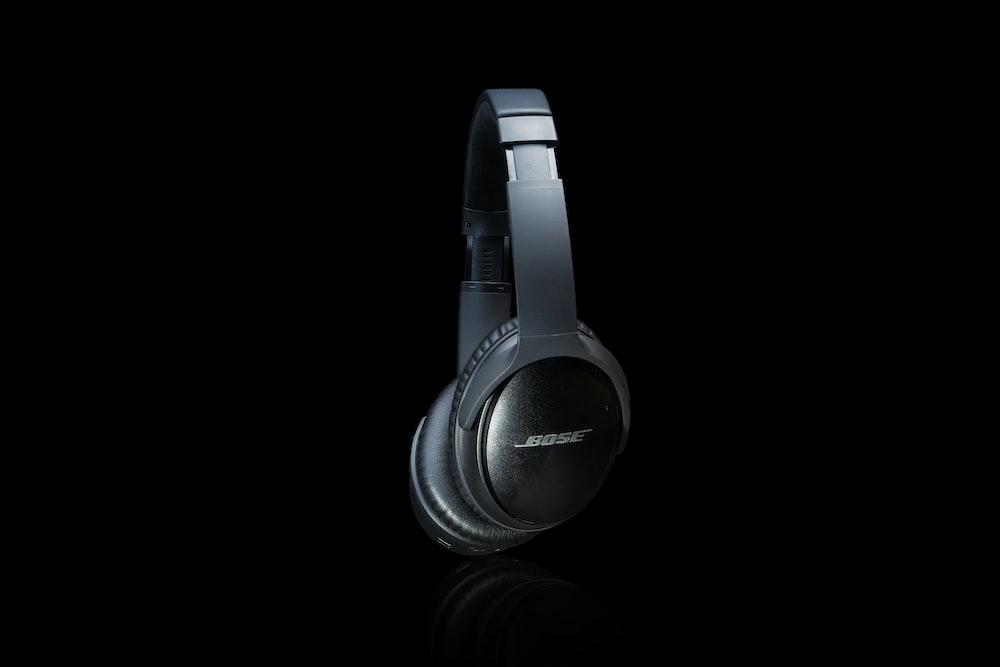 black and gray sony headphones