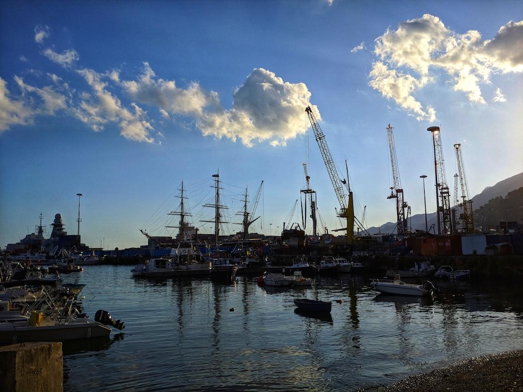 Resting vessel in the port of Salerno⛵
