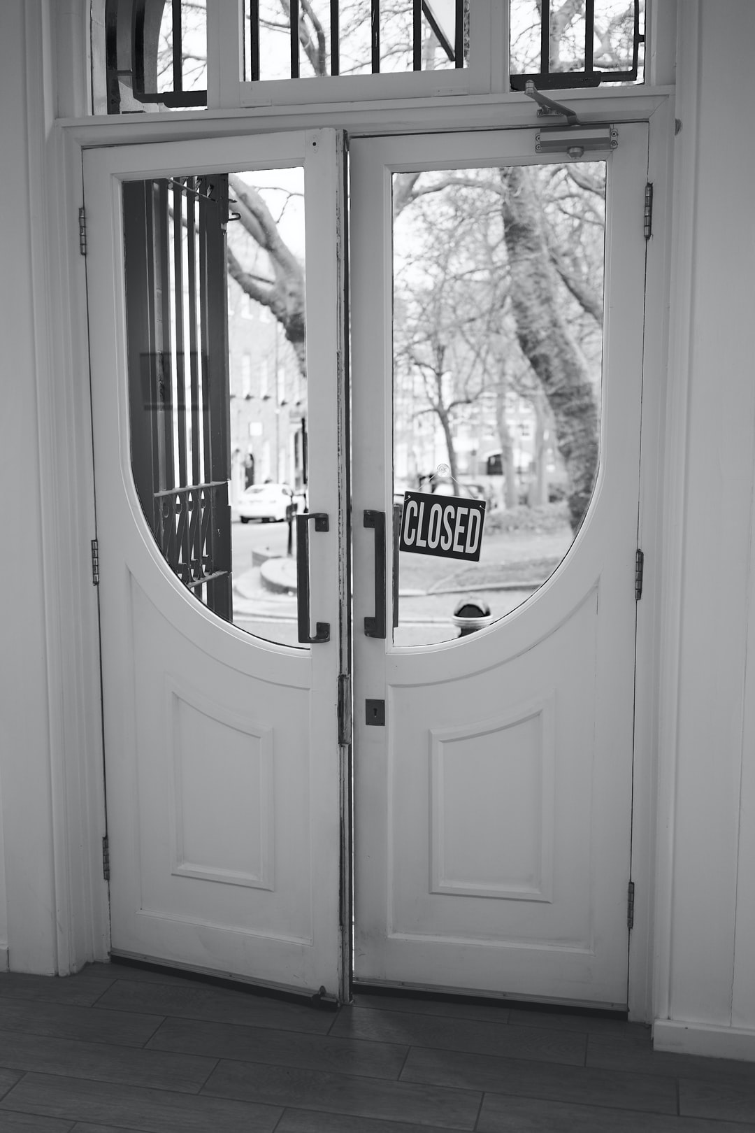 Door with a sign closed
