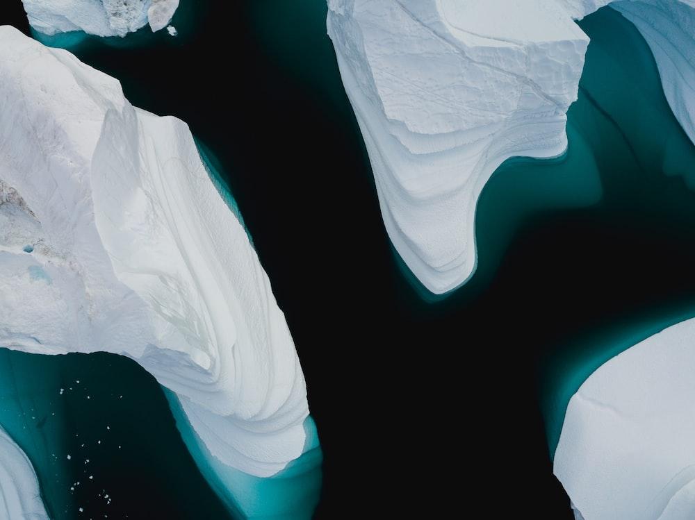 white and blue sanitary napkin