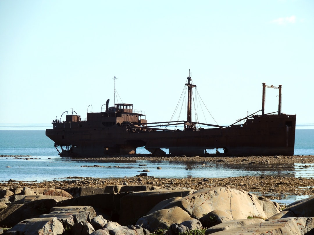 Shipwreck on rocky shore of the Hudson Bay