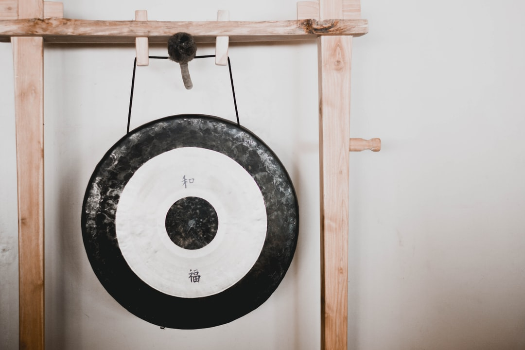 Sound healing with a Chinese gong