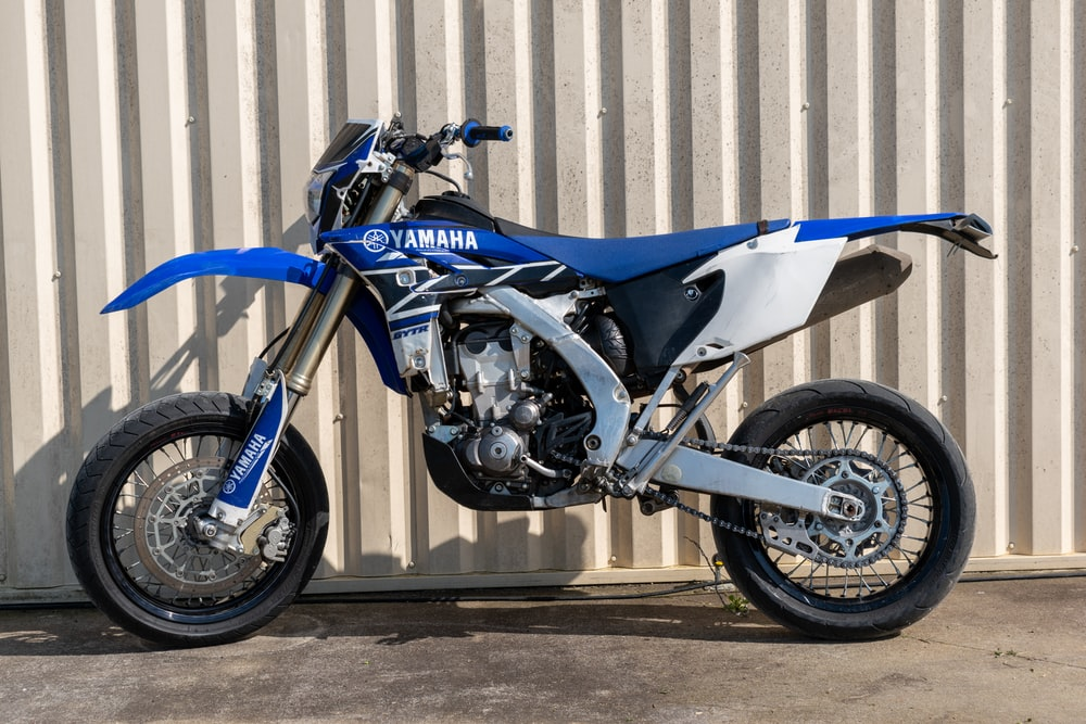 blue and black naked motorcycle