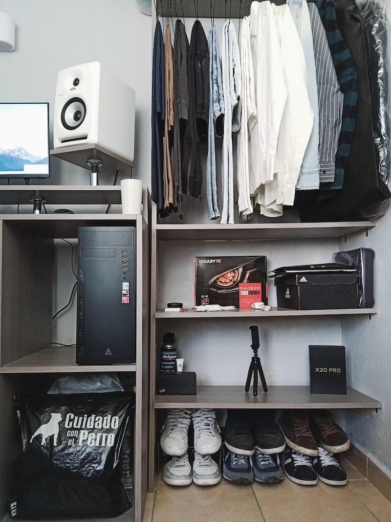 organise wardrobe
