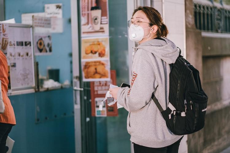 防疫生活對策/戴口罩眼鏡起霧就等於白戴?日實測:病菌穿透率100%