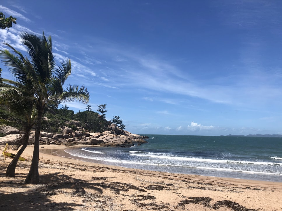 bay hopping on Magnetic island