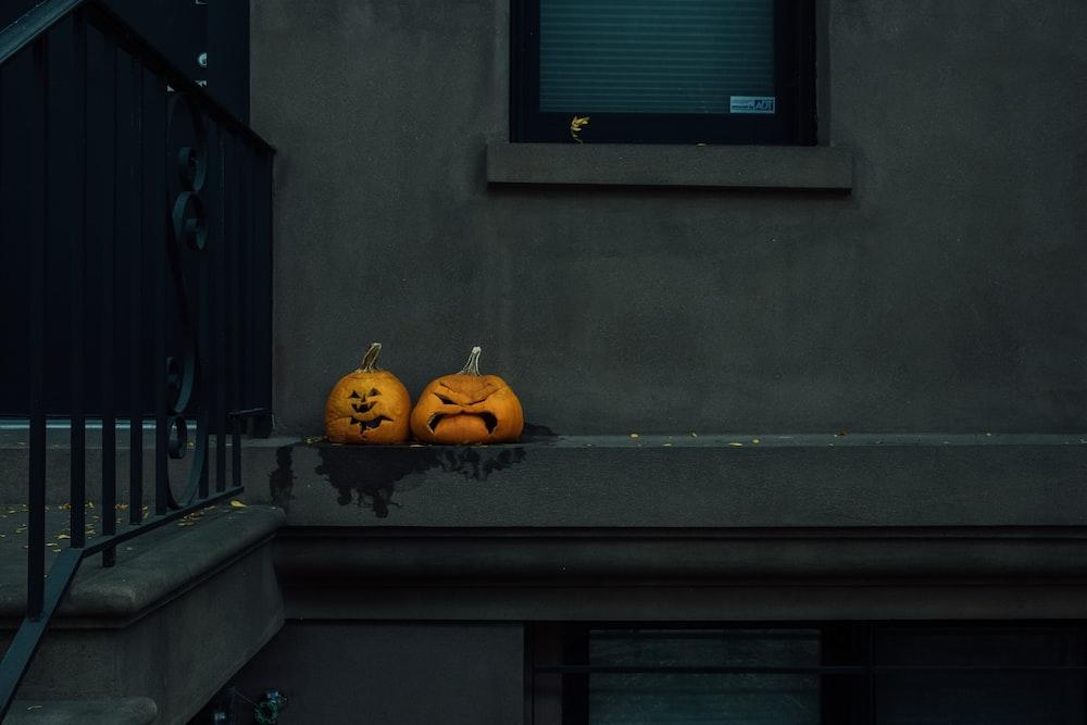 jack o lantern on window