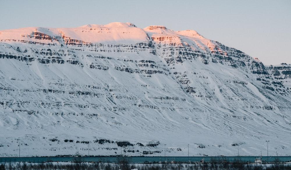 white mountain range during daytime