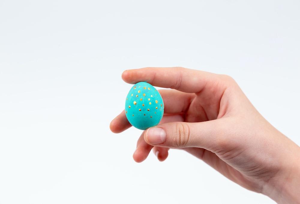 blue and white polka dot egg