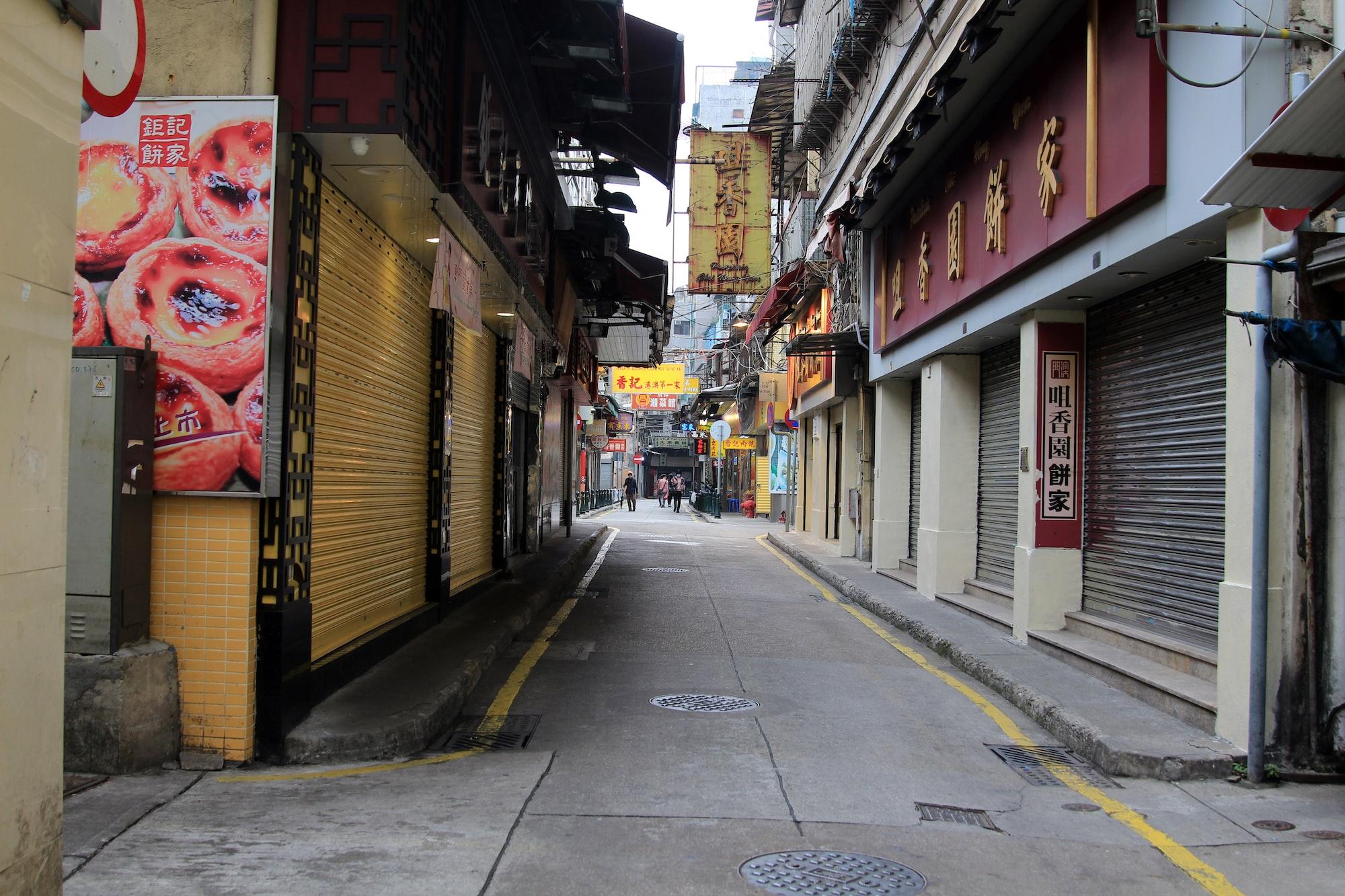 O uso de dados imobiliários é usado em decisões sobre abertura de novas filiais. Photo by Macau Photo Agency / Unsplash
