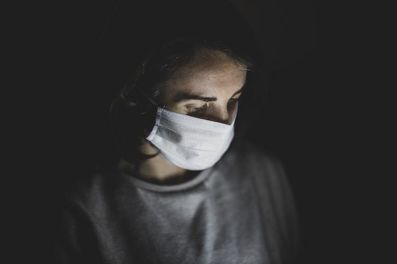 防疫 磐石艦 COVID19 醫藥報導沒說完的故事 歧視