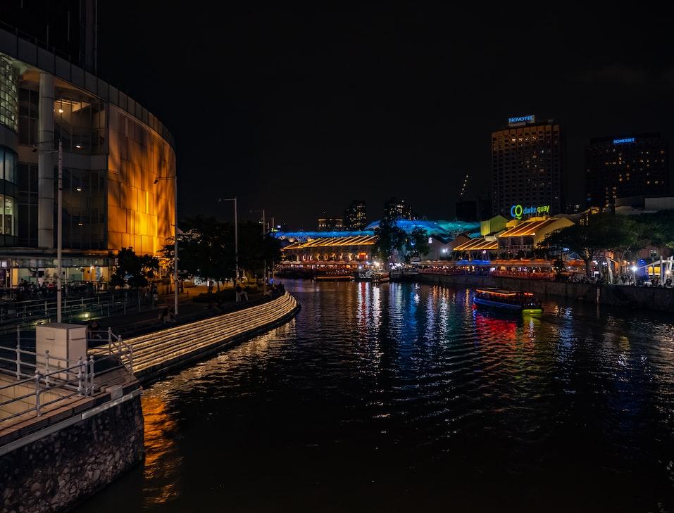 Clarke quay. Nightlife at Clarke Quay